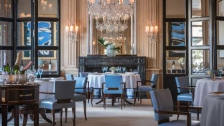Il Lago The Main Restaurant At Four Seasons Hotel Des Bergues Is A Feast For Eyes And Tastebuds Subtlety Not Part Of This Michelin Starred