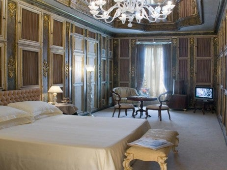 Grand Canal Library suite casagredo