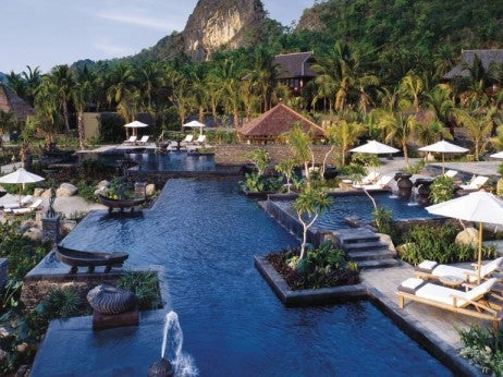 The 8 best hotels in kuala lumpur page 9 of 9 elite traveler for Best hotel swimming pool in kuala lumpur