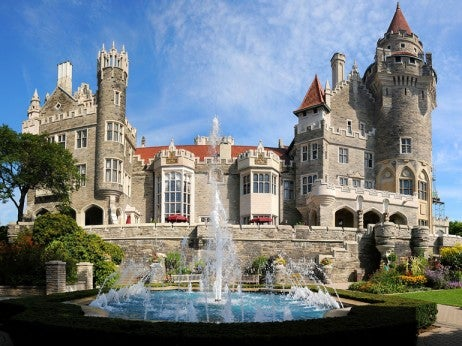THE EUROPEAN-INSPIRED CASA LOMA