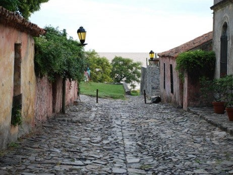 THE HISTORIC TOwN OF COLONIA