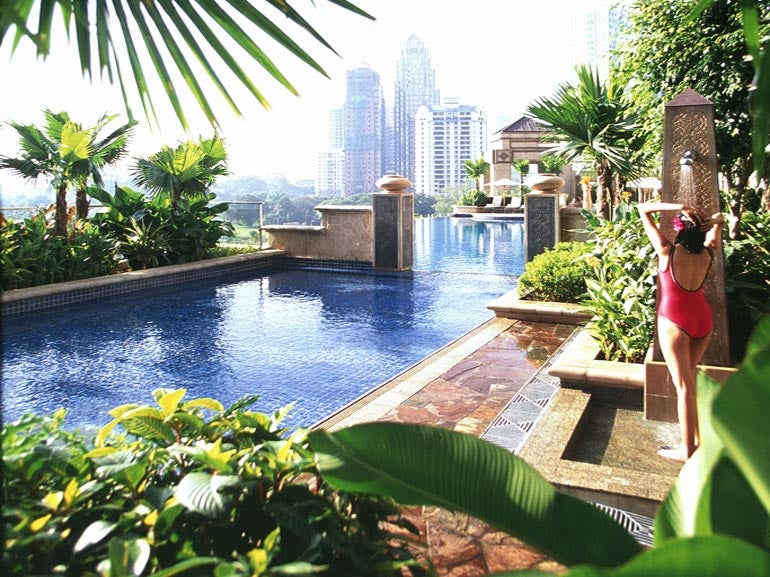 The 8 best hotels in kuala lumpur page 3 of 9 elite traveler for Best hotel swimming pool in kuala lumpur