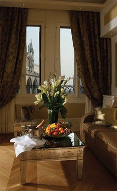 Living Room Canaletto Suites