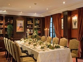 PRIVATE DINING IN THE HOTEL'S LIBRARY