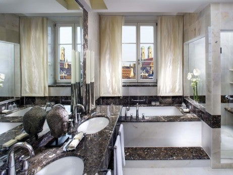 TOP SUITE BATHROOM