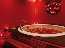 ROSE PETAL BATh © L.DESIGN 2008