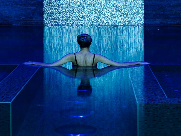 The 4 best spas in dubai page 2 of 5 elite traveler for Pool and spa show dubai