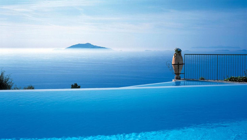 the 10 best infinity pools in the world elite traveler. Black Bedroom Furniture Sets. Home Design Ideas