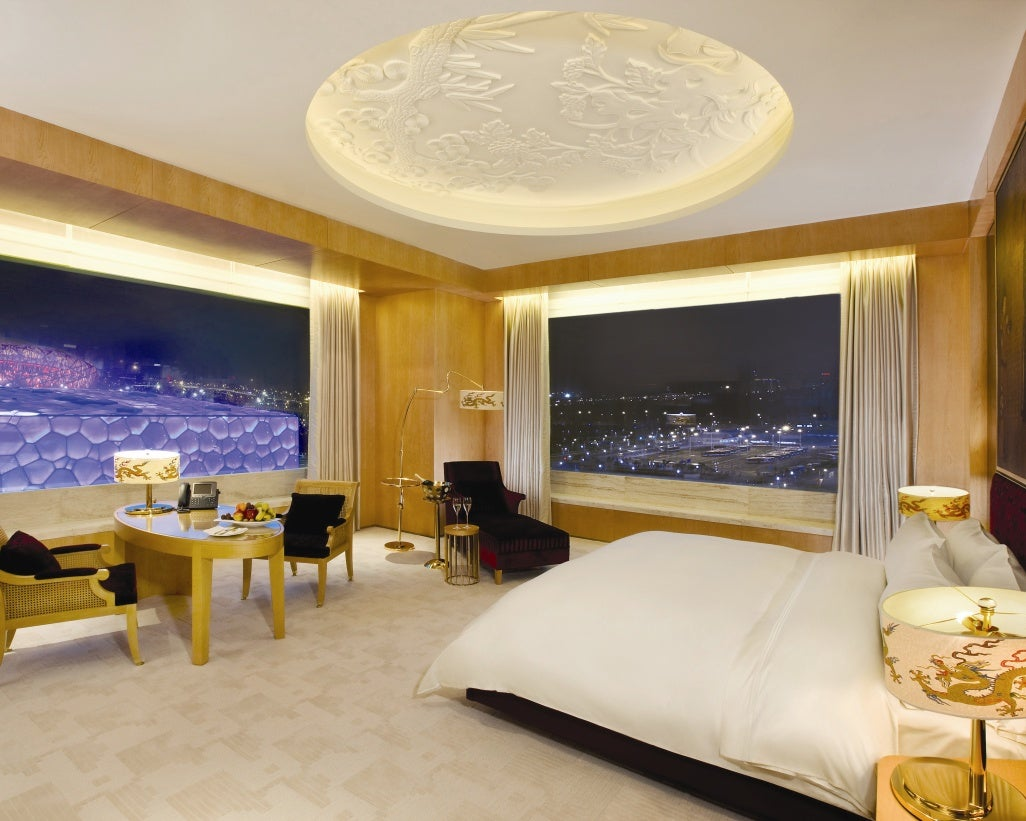 The 12 best hotel room views in the world elite traveler for Best looking bedrooms