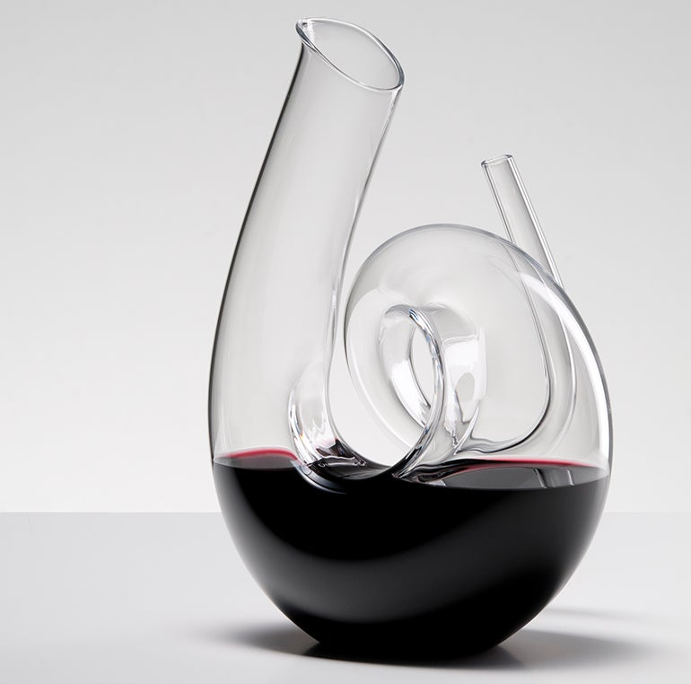 2011-04-S1 Decanter Curly Lifestyle resized