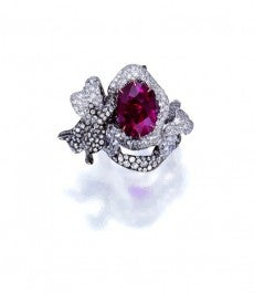 8.03-ct Cushion-shaped Burmese Ruby Diamond ring3 (1)