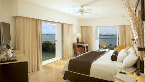 Le Blanc Spa Resort- Junior Suite_