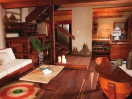 Living Room / Luxury Suite