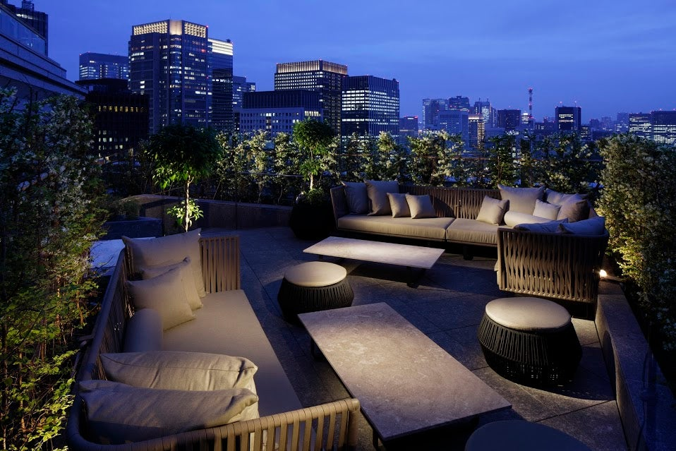 Palace hotel tokyo draws art lovers to 2014 exposition for Hotels on the terrace