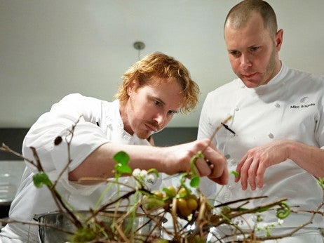 Grant achatz head chef alinea elite traveler - Table up and down alinea ...