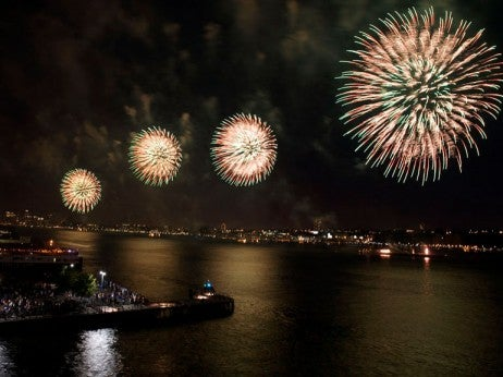 4th-of-july-fireworksNYC-Company-462x346