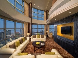 Royal Suite / Jumeirah Emirates Towers