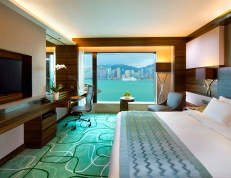 New World Millennium Hong Kong Hotel Deluxe Harbour View Suite 725x557