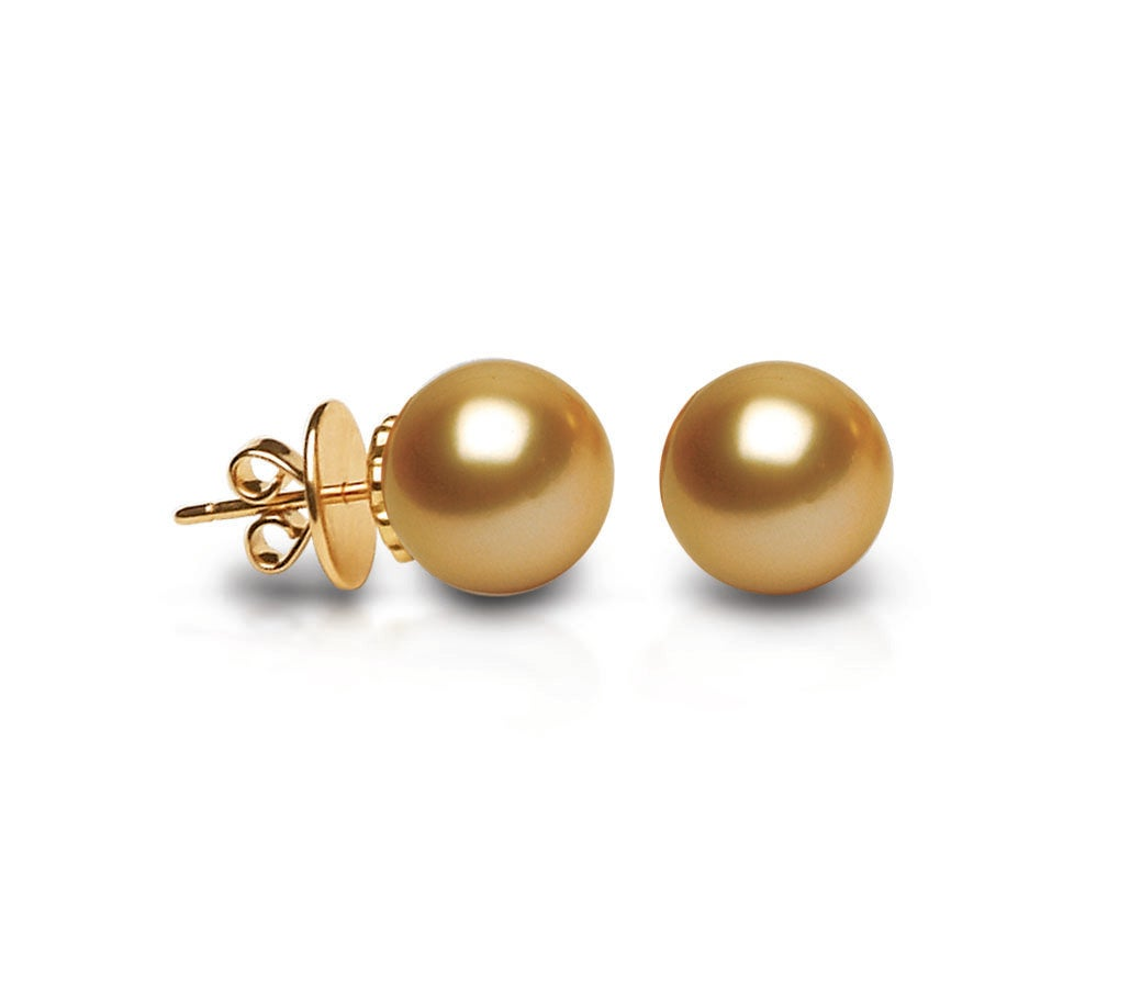 Jewelmer Joaillerie Showcases Pearl Stud Earrings