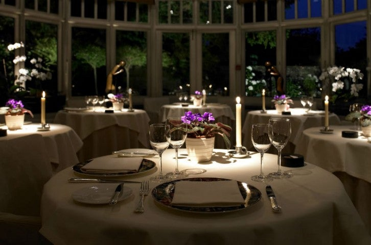 Conservatory-dining-at-night-784