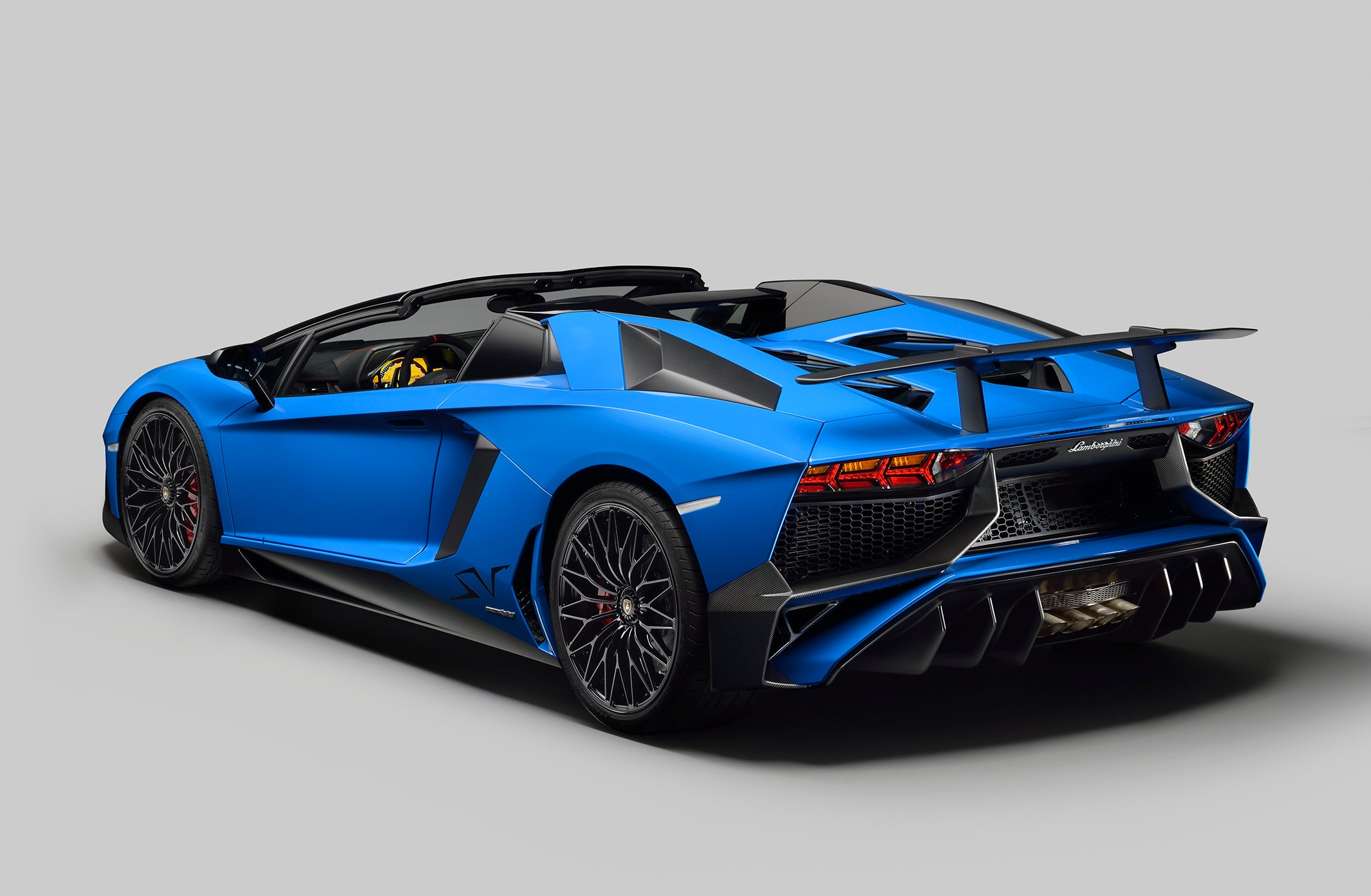 Lamborghini Aventador LP 750-4 Superveloce Roadster Unveiled in ...