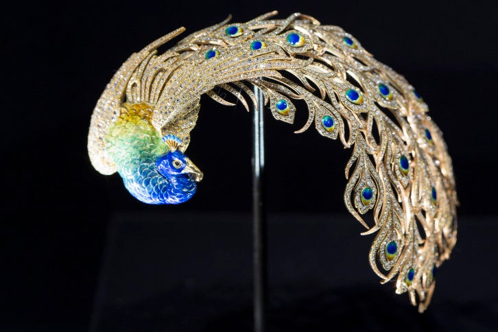 Bejewelled_Treasures_Installation_View_c_Victoria_and_Albert_Museum_London_8