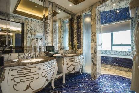The Reverie Saigon - Junior Suite Bathroom - I