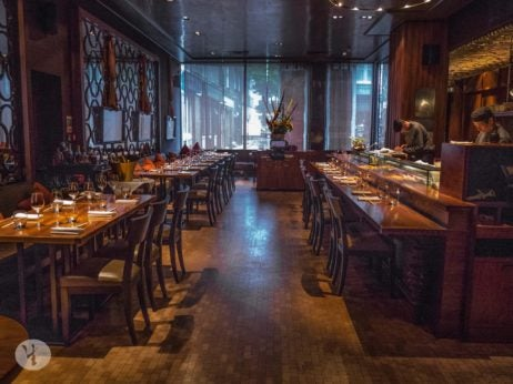two and three Michelin starred restaurants in London, umu interior dining room