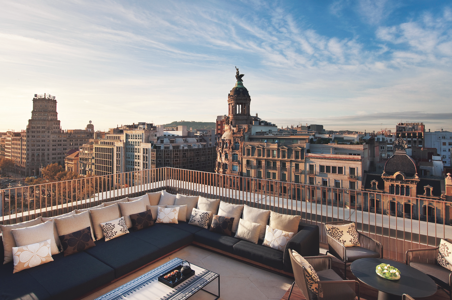 Mandarin oriental barcelona spain elite traveler for Top 100 hotels