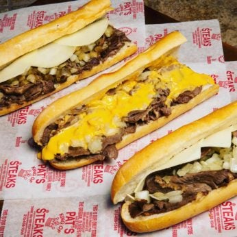 Pat's King of Cheesesteaks, best philly cheesesteaks, guide to philadelphia