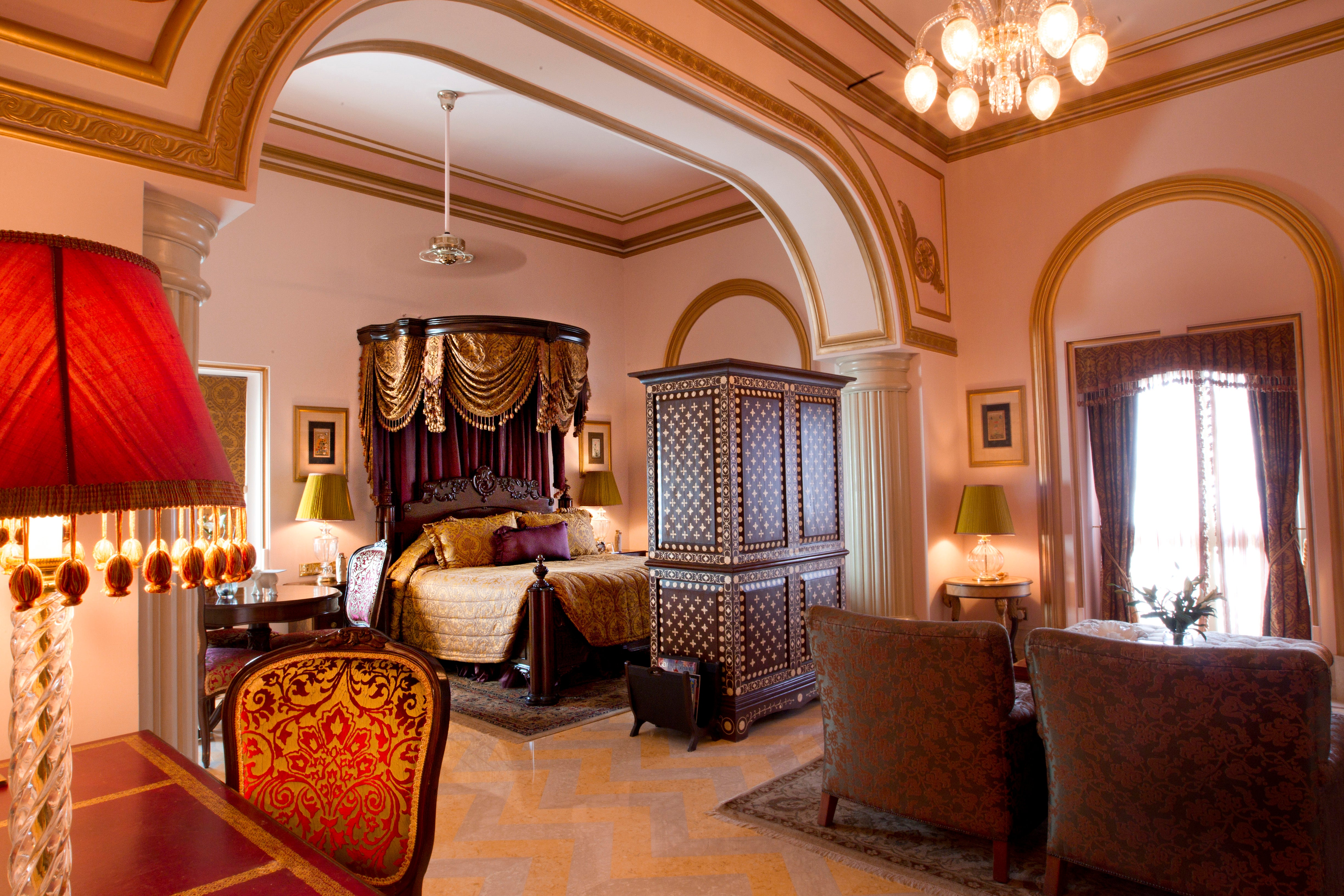 Udaipur City of Lakes Pictures Information India Travel Taj lake palace pictures