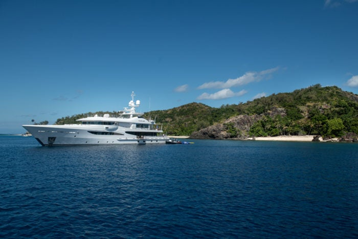 yacht charter guide