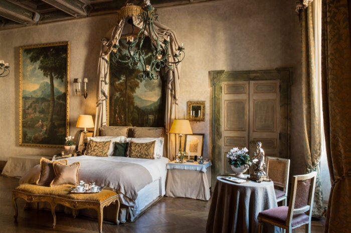 Residenza Napoleone top suite canopy bed