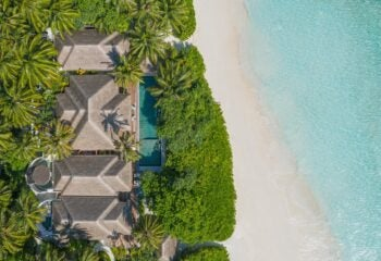 Anantara-Kihavah-Exterior-View-Three-Bedroom-Beach-Pool-Residence-Aerial
