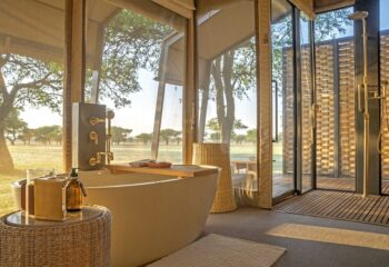 singita sabora guest suite bathroom