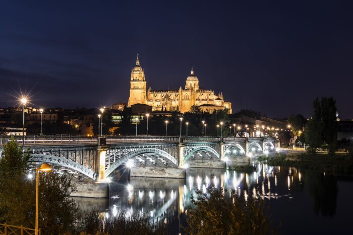 salamanca cathedral city at night