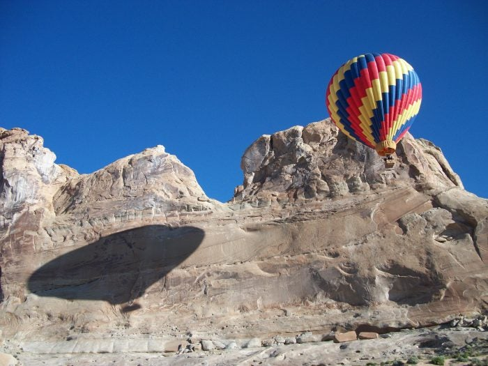 hot air balloon tour at amangiri resort utah