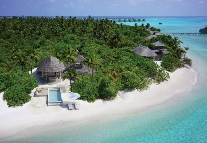 Beach villa with pool on ocean-front - World Oceans Day Hotel