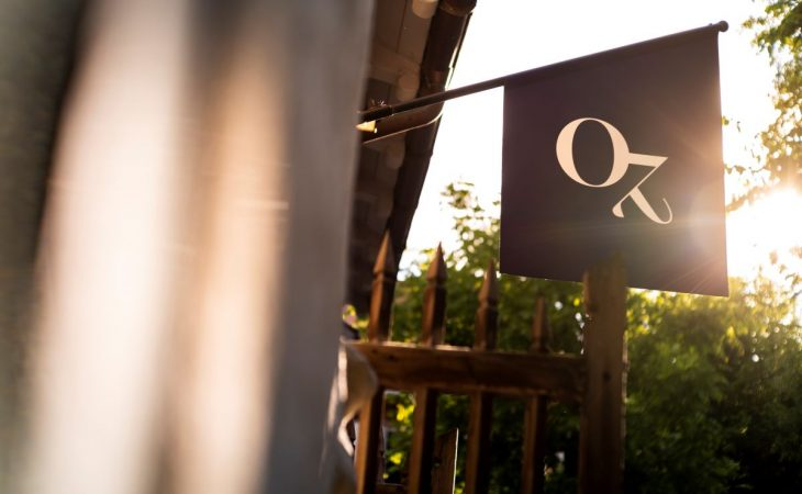 Oz sign at front of restaurant